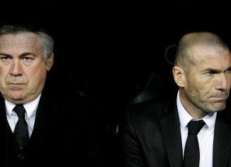 Real Madrid /Bayern Munich - Ancelotti peste l'arbitrage, Zidane botte en touche