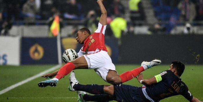 PSG - Thiago Silva a failli faire pleurer Mbappé raconte Subasic